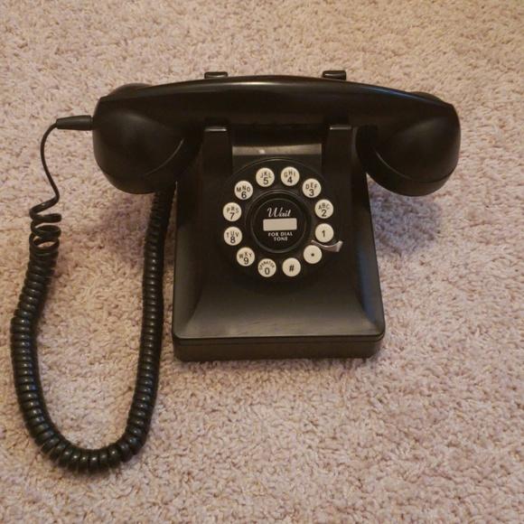 Retro looking push button phone
